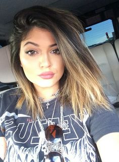 PHOTOS: Check out the latest pics of Kylie Jenner.The latest photos of Kylie Jenner on page.Get all your Kylie Jenner news and gossip here! Kylie Jenner Short Hair, Style Kylie Jenner, Kylie Jenner 2014, Kylie Hair, Kylie Jenner Hairstyles, Kylie Jenner Haircut, Kylie Jenner Lipstick, Jenner Makeup, Ombre Hair