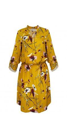 Sukienki codzienne - Kolekcja wiosenna || Sukienka na wiosnę Raincoat, Dresses With Sleeves, Shirt Dress, Boho, Long Sleeve, Jackets, Shirts, Fashion, Rain Gear