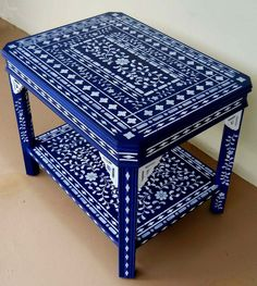 My Blue Stenciled Table. When a little Stenciling is not enough