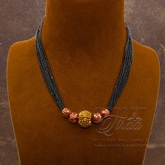 Jewelry Design Earrings, Necklace Designs, Pearl Jewelry, Gold Bridal Earrings, Bridal Jewelry Sets, Gold Necklace, Mangalsutra Design, Gold Jewelry Simple, Gold Designs