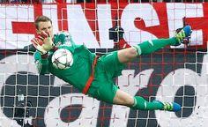 Manuel Neuer back at Bayern Munich training, concerns over Robert Lewandowski