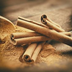 Cinnamon Pills for Weight Loss Healthy Juices, Healthy Drinks, Healthy Food, Fast Weight Loss Tips, How To Lose Weight Fast, Cinnamon Health Benefits, Acupuncture For Weight Loss, Canela, Natural Remedies