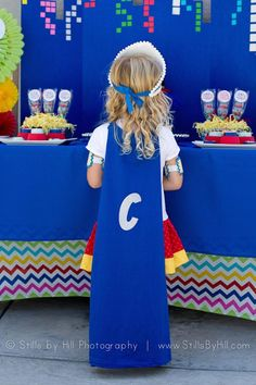 With a boom and a pow, your chic superhero birthday dreams come true with this party at Kara's Party Ideas. Don't miss the adorable cake details here! Superhero Birthday Party, Birthday Parties, Birthday Party Invitations, Event Planning, Birthdays, Entertaining, Halloween, Chic, Kids