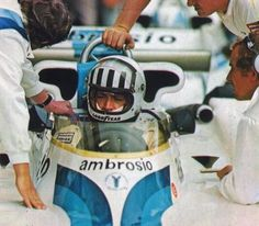 His last Grand Prix... Tom Pryce Shadow Racing Team Shadow DN8 Ford 1977 South African Grand Prix at Kyalami.