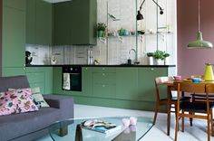Classic Style Kitchen Furniture Timeless Furniture For Your Home Home Interior, Kitchen Interior, Interior Architecture, Interior Decorating, Interior Design, Green Kitchen Paint, Dark Green Kitchen, Sage Kitchen, Green Furniture