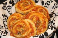 Grove pizzasnegle med skinke og ost (43) Ost, Bread Recipes, Tapas, French Toast, Picnic, Food Porn, Pizza, Breakfast, Desserts