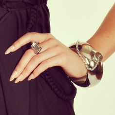 Flask bracelet. need this in my life immediately... Amazing for those nights that aren't quite exciting enough lol