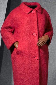 модное пальто Balenciaga Vintage, Balenciaga Dress, Retro Fashion, Vintage Fashion, Coats For Women, Clothes For Women, Simply Fashion, Moda Paris, Moda Chic