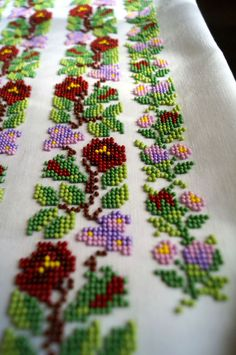 Flower Coloring Pages Embroidered Blouse Cross Stitch Designs Hobbies And Crafts Beaded Embroidery Blouses For Women Le Point Beadwork Bookmarks Border Embroidery Designs, Bead Embroidery Patterns, Learn Embroidery, Beaded Embroidery, Cross Stitch Embroidery, Hand Embroidery, Cross Stitch Borders, Cross Stitch Flowers, Cross Stitch Designs