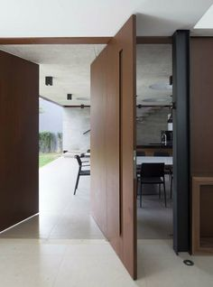 10 Examples Of Homes With Large Pivoting Doors