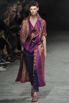 Haider Ackermann Spring 2012 Ready-to-Wear Fashion Show - Saskia de Brauw (Viva)