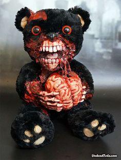 Undead Teddy by Phillip Blackman Scary Teddy Bear, Diy Teddy Bear, Cute Teddy Bears, Cute Zombie, Zombie Art, Halloween Circus, Halloween Horror, Halloween Party, Creepy Stuffed Animals
