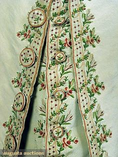 GENTLEMANS' EMBROIDERED SILK SUIT, c. 1775, embroided floral garlands in rose, red & greens on lattice ground