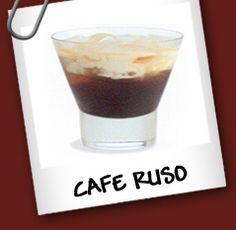 Russian Coffee Ingredientes: • Vodka: 50 cc • Café: 1 taza caliente • Azúcar • Crema Chantilly