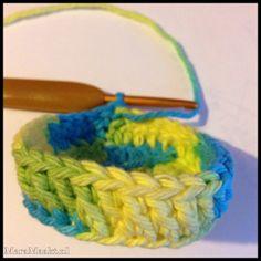 Vrolijk Pasen! | Patroon – Mara Maakt Diy Crochet, Friendship Bracelets, Crochet Necklace, Projects To Try, Crochet Patterns, Crochet Collar, Crochet Tutorials, Crocheting Patterns, Crochet Pattern