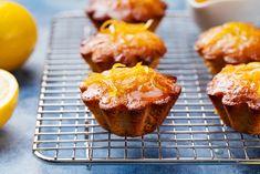 Ez az egyszerű citromos muffin villámgyorsan készen van, és a cukorszirupos locsolástól különösen krémes és szaftos lesz! Financier Recipe, Cooking Time, Cooking Recipes, Ground Almonds, Recipe For 4, Food Pictures, Cookie Decorating, Blueberry, Sweets