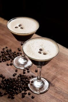 3 Cold-Brew Cocktails That Will Give You a Buzz Coffee Cocktails, Cocktail Drinks, Fun Drinks, Cocktail Shaker, Beverages, Coffee Milk, Iced Coffee, Coffee Beans, Ice Cream Drinks