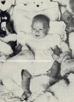 Andrea Casiraghi as a baby Princess Caroline Of Monaco, Princess Stephanie, Andrea Prince, Andrea Casiraghi, Prince Rainier, Prince Albert, Baby Sister, Little Boys, New Baby Products