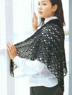 женская шаль черного цвета