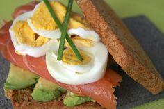 Sandwich de salmón ahumado/Smoked salmon sandwich