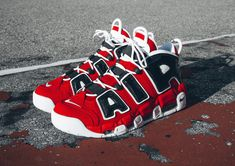 wholesale dealer a0c4c 28a11 Basket Nike Air More Uptempo Red Chicago Bulls