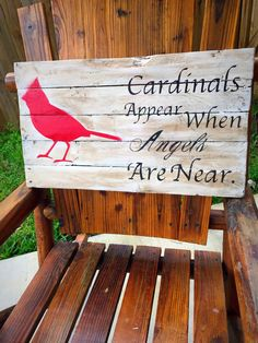 Wood pallet signs with cardinals cardinal pallet sign cardin Pallet Crafts, Diy Pallet Projects, Wooden Crafts, Wood Projects, Pallet Ideas, Woodworking Projects, Diy Crafts, Woodworking Wood, Wood Ideas