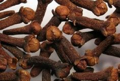 Cloves and Garifalelaio: Friday, benefits and uses Holistic Medicine, Herbal Medicine, Beauty Cream, Healthy Beauty, Facial Care, Homemade Beauty, Diy Beauty, Natural Healing, Superfoods