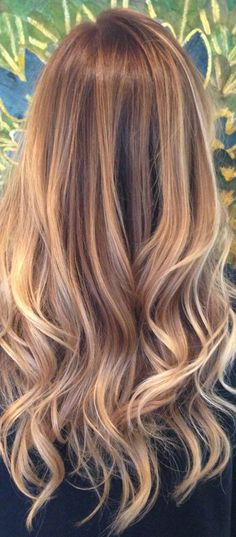 15 Fashionable Balayage Hair Looks: #4. Blonde Balayage for Long Curly Hair