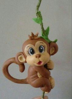 Mono en porcelana fría