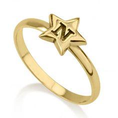 Anillo Estrella con Inicial Grabada en plata chapada en Oro de 24K