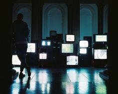 Glow Blog — bluedeepeyes:   | all blue blog |