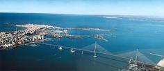 Puente de La constitución de 1812.( Llamado familiarmente Puente de la Pepa.) sobre la bahía de Cádiz