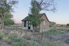 No one's home.  More here: http://www.placesthatwere.com/2016/06/dead-and-dying-sego-ghost-town-and.html  #abandoned #abandonedplaces #Utah #AbandonedUtah #ThompsonSprings #SegoUtah #ghosttowns #urbanexploration #UtahGhostTowns #Sego #ThompsonSpringsUtah
