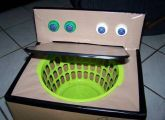 DIY cardboard box washing machine for dramatic play and would be a great place to put their dirty clothes. unseen till mom washes them. Projects For Kids, Diy For Kids, Cool Kids, Crafts For Kids, Craft Projects, House Projects, Baby Crafts, Diy Karton, Carton Diy