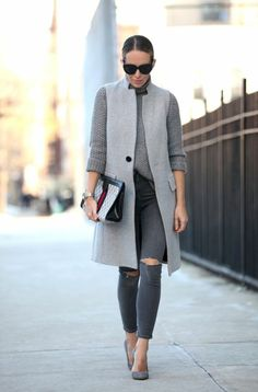 I am back with yet another cool assemblage of Monochrome Fall Street Style. Hello my dear fashion readers! Long Vest Outfit, Grey Outfit, Blazer Outfits, Sleeveless Blazer Outfit, Western Outfits, Casual Chic, Look Formal, Long Vests, Street Style