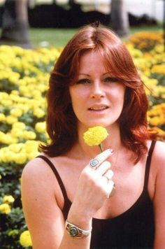Anni-Frid Lyngstad (born 15 November is a Norwegian-Swedish singer, songwriter, and environmentalist. She is best known as one of the lead singers of the Swedish pop band ABBA. Stockholm, Sandro, Divas, Frida Abba, Brighton, Abba Mania, Singing Career, Popular Music, Celebs