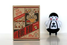 Art direction of packaging design and construction for Johnny Cupcakes' first vinyl toy, Big Kid. Custom illustrations for each side of the box by the amazing Himanshu Sharma. Kids Packaging, Pretty Packaging, Brand Packaging, Packaging Design Inspiration, Graphic Design Inspiration, Johnny Cupcakes, Designer Toys, Creative Director, Big Kids