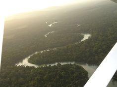 Survol des plateaux Batéké, Gabon