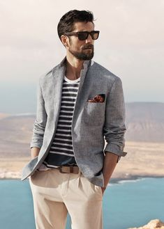 A Guide to the Men's Smart Casual Dress Code | Man of Many