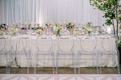 La Tavola Fine Linen Rental: Beatrice Garden Smoke with Hemstitched White Napkins | Photography: Lauren Gabrielle Photography, Planning & Design: A Charming Fete, Florals: Andrew Thomas Design, Venue: The Madison, Catering: Driftwood, Rentals: All Occasions, Event Source, Cake: Canela Bakeshop