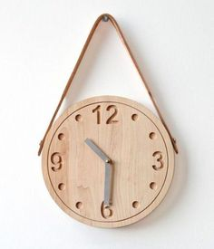 Wood hanging clock.   WoodworkerZ.com