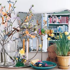 Amazing Spaces, Daffodils, Easter Crafts, Seasons, Table Decorations, Spring, Painting, Inspiration, Beautiful