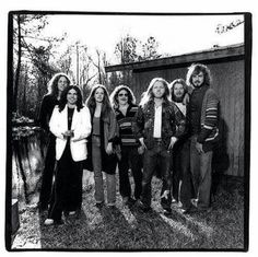 Rossington Collins Band - Wilkeson and Powell formed the Rossington-Collins Band, which released two albums between 1980 and 1983. Deliberately avoiding comparisons with Ronnie Van Zant as well as suggestions that this band was Lynyrd Skynyrd reborn, Rossington and Collins chose a woman, Dale Krantz, as lead vocalist.