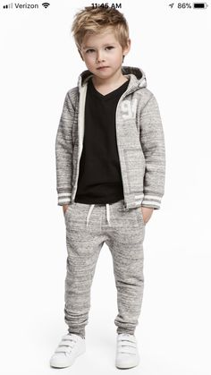 Joggers in sturdy sweatshirt fabric with an elasticated drawstring waist, side pockets and ribbed hems. Trendy Boy Outfits, Outfits Niños, Little Boy Outfits, Little Boy Fashion, Kids Fashion Boy, Toddler Boy Outfits, Toddler Fashion, Kids Outfits, Toddler Boys
