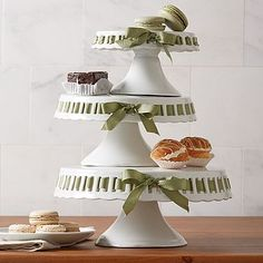 White Porcelain Cake Plate with Ribbon Tie (Set of 3 Asst) : cake plate with ribbon - pezcame.com