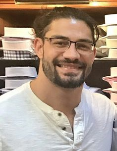 Look at this nerd getting ready for Wrestlemania Roman Reigns Smile, Wwe Roman Reigns, Roman Empire Wwe, Wwe Superstar Roman Reigns, Roman Reigns Dean Ambrose, Roman Regins, Hunks Men, Wwe World, Thing 1