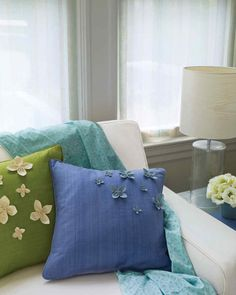 Elegant Decorating with Throw Pillows Ideas