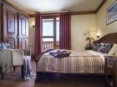 Chalet Paradis with Ski Weekends. Catered ski chalet for short ski breaks.