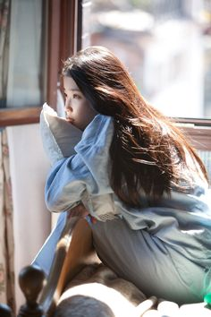 IU - Spring of a twenty year old Korean Actresses, Korean Actors, Iu Fashion, Korean Fashion, Asian Woman, Asian Girl, Ulzzang Girl, Korean Singer, Girl Crushes