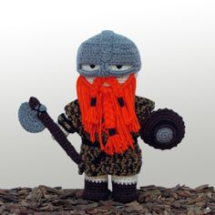 Philip Mead - Guerreiro nórdico  Boneco de decoração em crochê, destinado a guerreiros e Valkirias de todas as idades.#medieval #viking #guerreiro #boneco